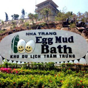 Парк 100 яиц с термальными водами и бассейнами