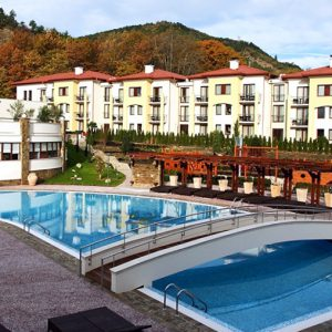 Сандански-Отели-с-бассейнами-минеральной-воды