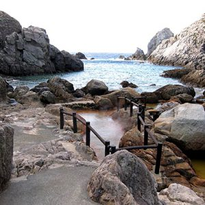 Остров Shikine термальный источник