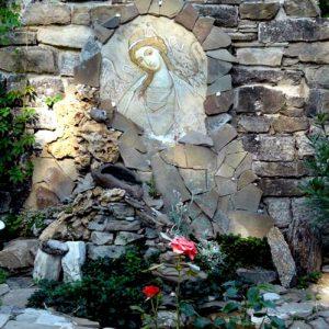 Святой источник в Свято-Параскеевском женском монастыре