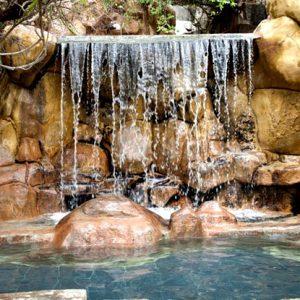 Тхап Ба водопады с термальной водой