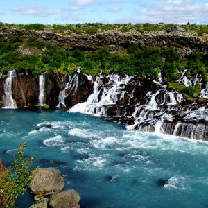 Термальный источник и водопады Дейльдартунгюквер в Исландии
