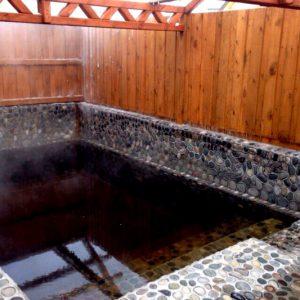 Горячий источник Гедуко бассейн каменный