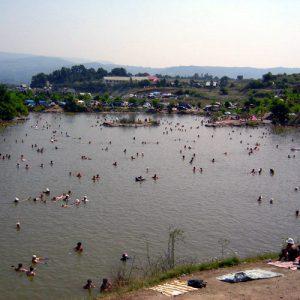 Солотвино настоящее природное соленое озеро
