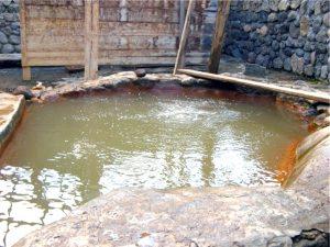 горячий источник Ахты